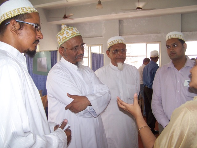 Saheb-e-Da'wat discussing with Faculties